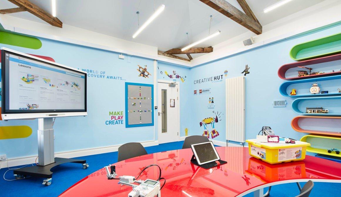 creative hut steam lab robotics classroom