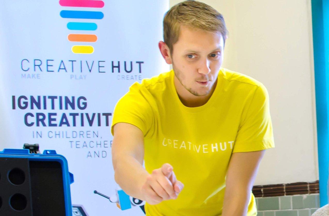 Neil Taylor creative hut trainer